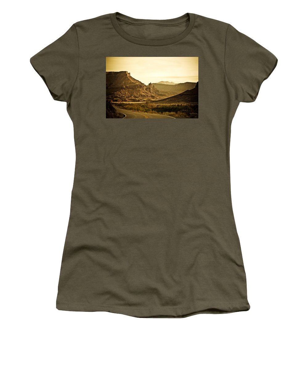 Americana Women's T-Shirt (Athletic Fit) featuring the photograph Evening In The Canyon by Marilyn Hunt