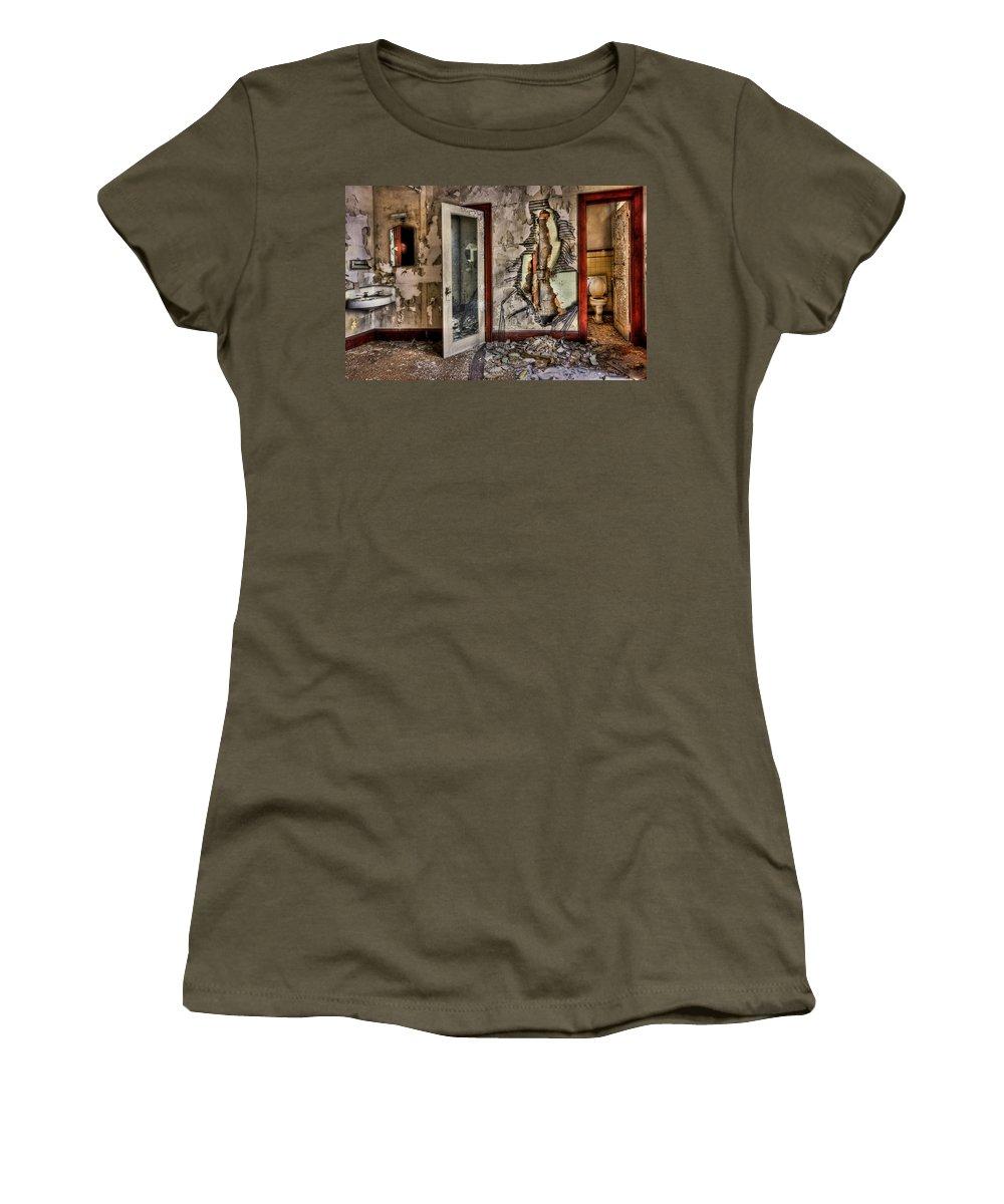 Toilet Women's T-Shirts
