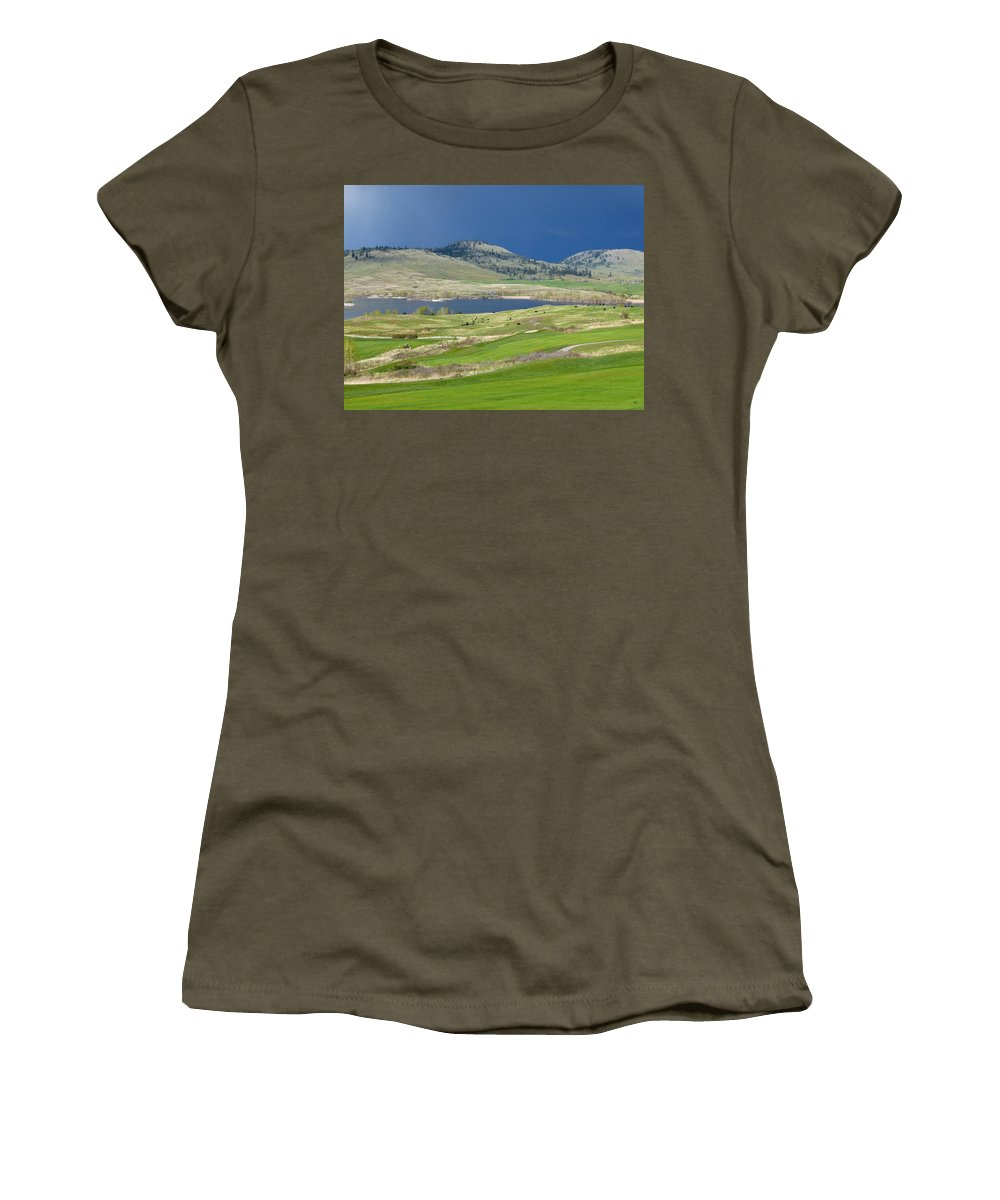 Golfing Women's T-Shirt featuring the photograph Golfing And Grazing by Will Borden