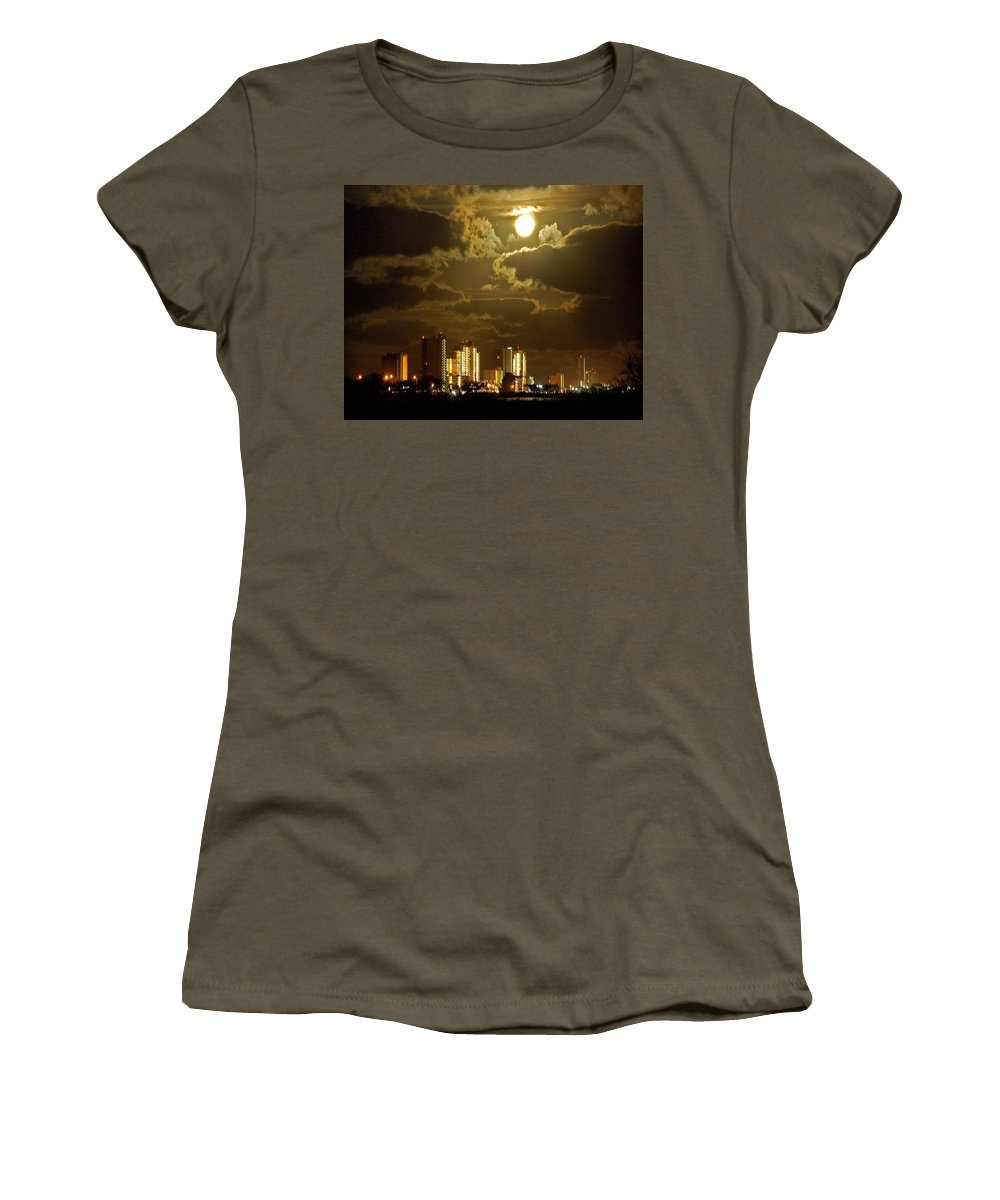 Beach Women's T-Shirt featuring the painting Gulf Shores Night Skys by Michael Thomas