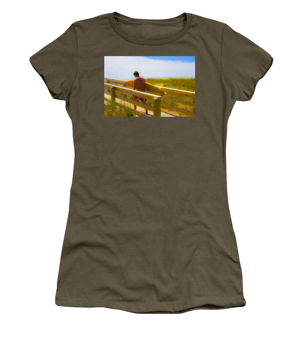 Harkers Island Women's T-Shirt featuring the photograph Heading Out by Betsy Knapp