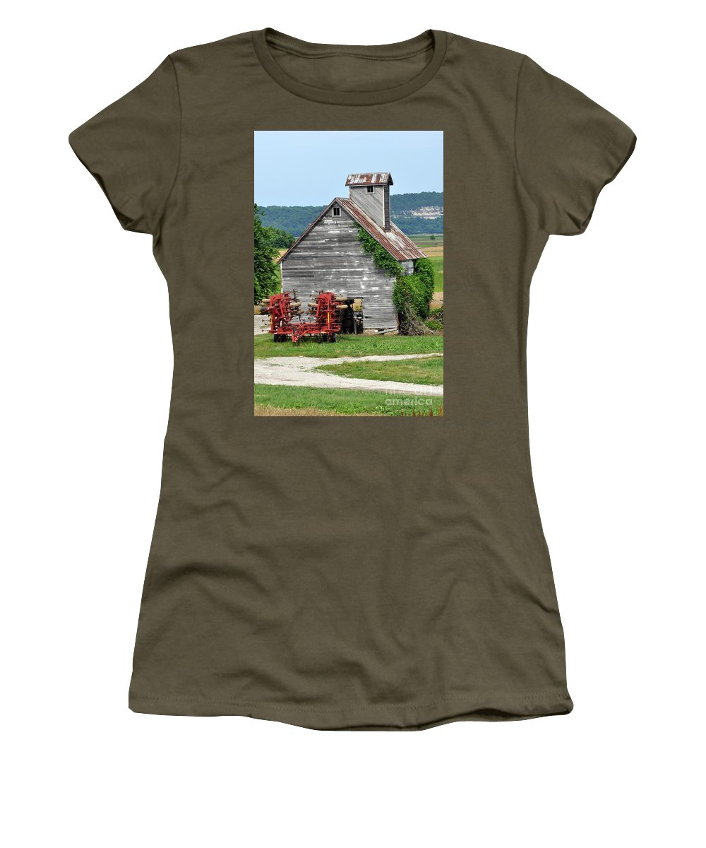 Barn Women's T-Shirt featuring the photograph Ilini Barn by Marty Koch