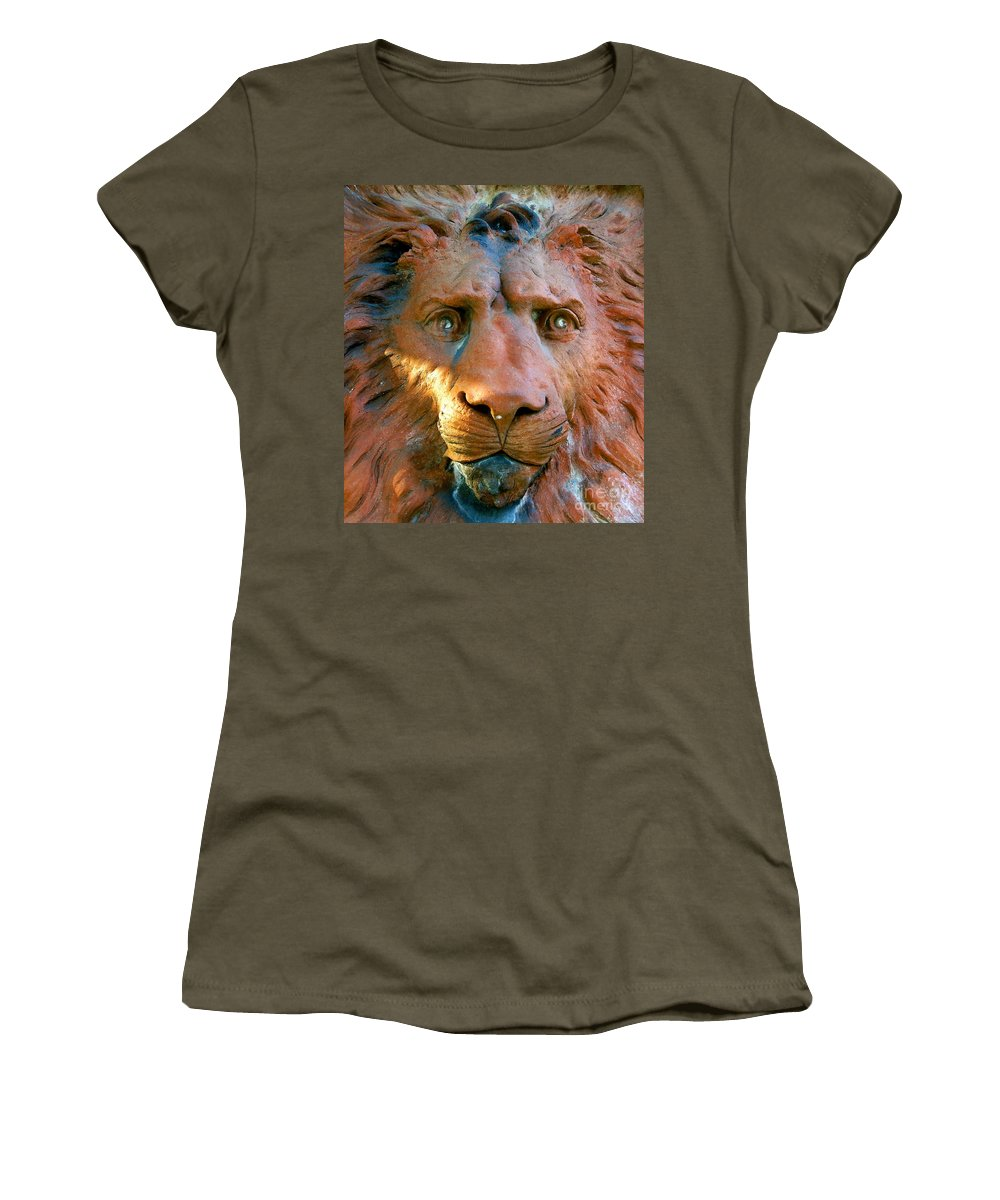 Saint Augustine Florida Women's T-Shirt (Athletic Fit) featuring the photograph Lion Of Saint Augustine by David Lee Thompson
