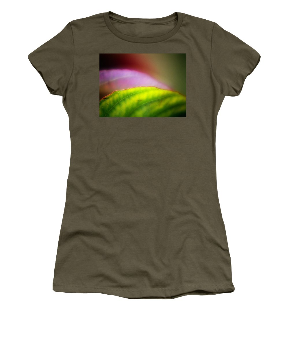Macro Women's T-Shirt (Athletic Fit) featuring the photograph Macro Leaf by Lee Santa