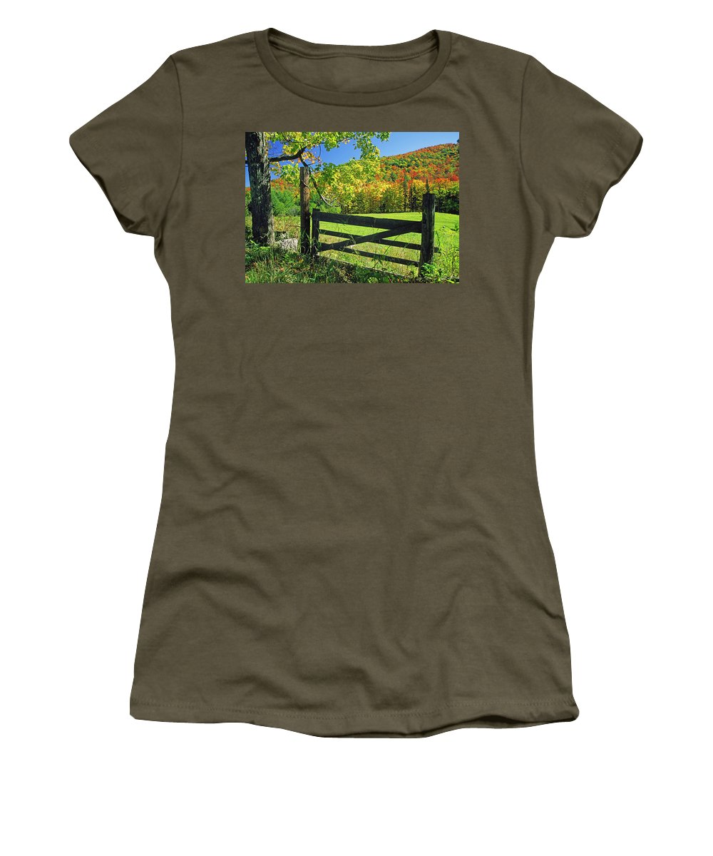 Usa Women's T-Shirt featuring the photograph Old Gate At East Orange by Gary Corbett