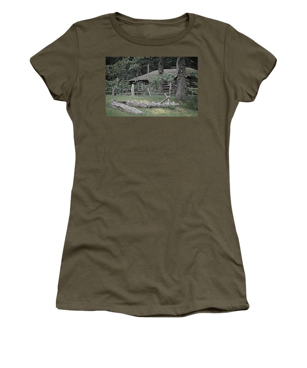 Cabin Women's T-Shirt featuring the digital art Old Log Cabin by Richard Farrington