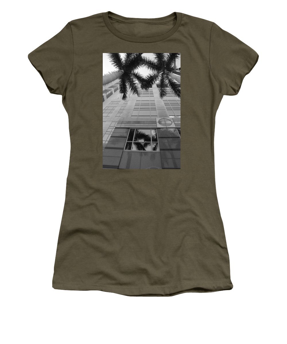 Architecture Women's T-Shirt featuring the photograph Reflections On The Building by Rob Hans
