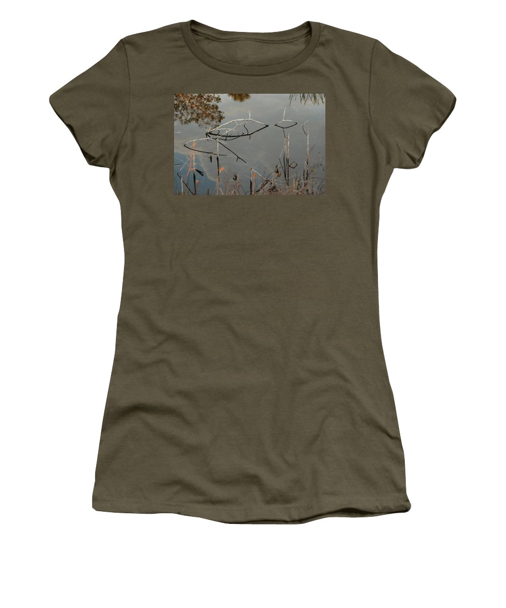 Pink Women's T-Shirt featuring the photograph Rosey Bridge by Rob Hans