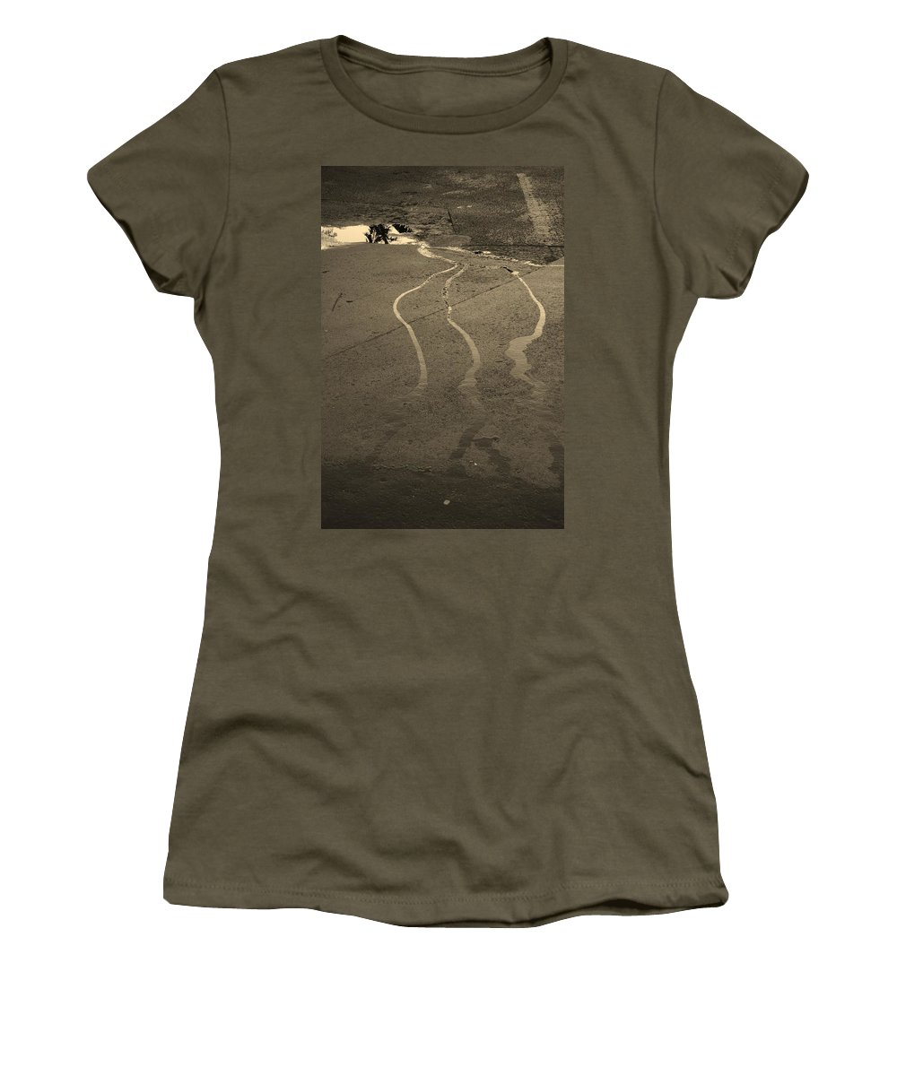Water Women's T-Shirt featuring the photograph Streams In The Lot by Rob Hans