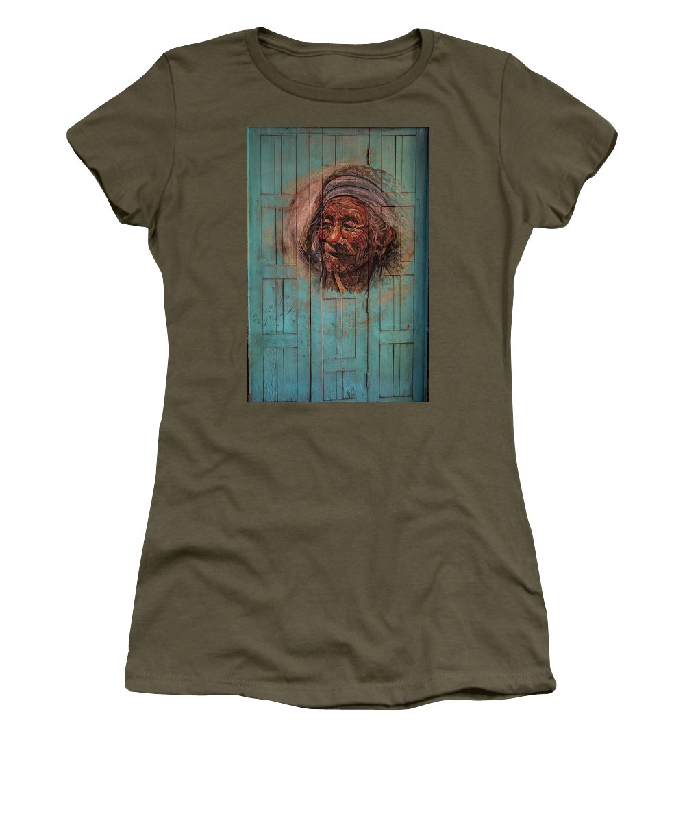 The Face Of Wisdom Women's T-Shirt featuring the photograph The Face Of Wisdom by Lindley Johnson