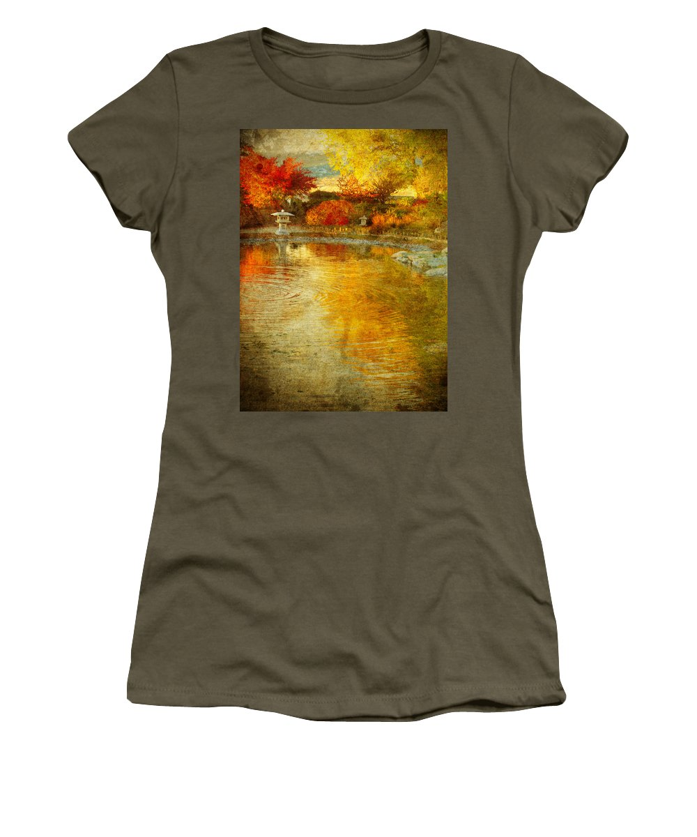 Japanese Gardens Women's T-Shirt featuring the photograph The Golden Dreams Of Autumn by Tara Turner