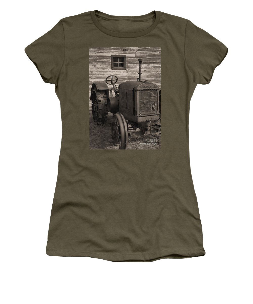 Abandoned Women's T-Shirt (Athletic Fit) featuring the photograph The Old Mule by Richard Rizzo