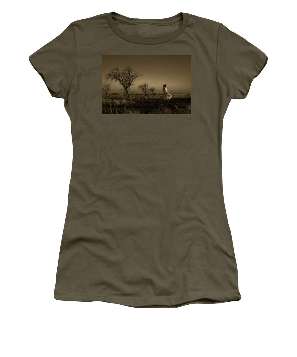 Woman Women's T-Shirt featuring the photograph Tree Harmony by Scott Sawyer