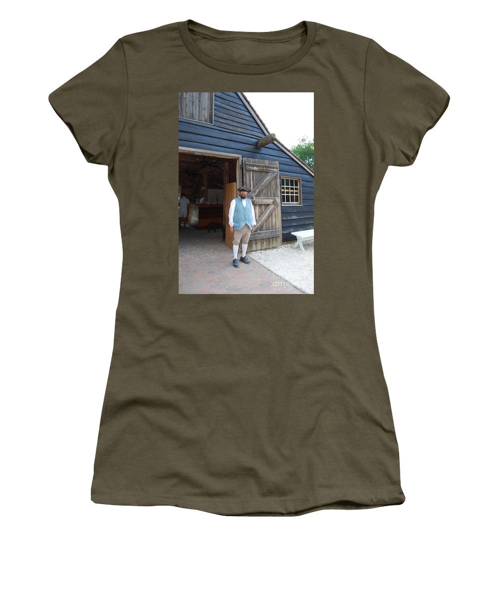 Virginia Women's T-Shirt featuring the photograph Welcome by Eric Liller