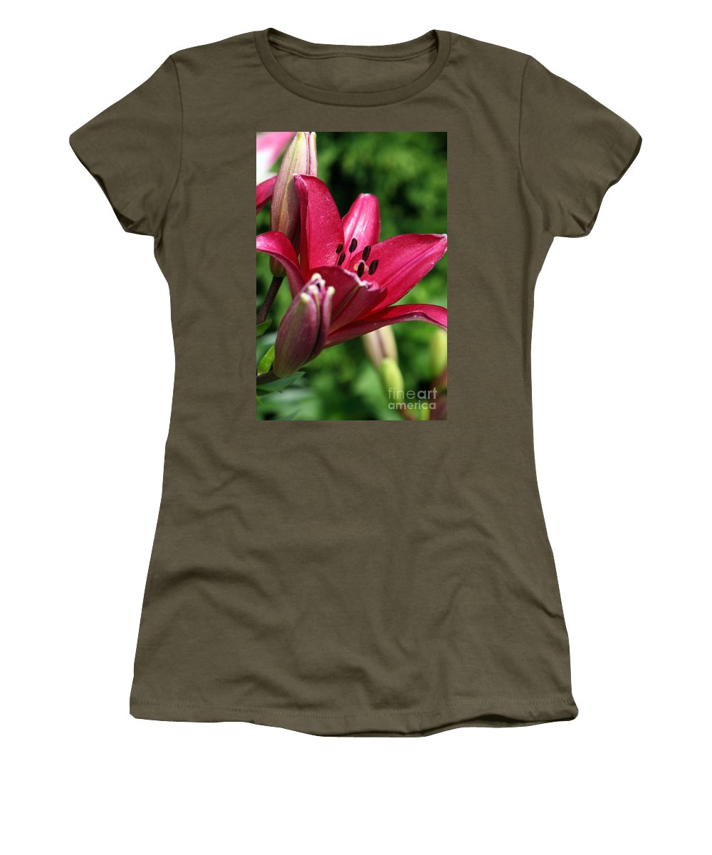 Lilly Women's T-Shirt (Athletic Fit) featuring the photograph Welcoming by Amanda Barcon