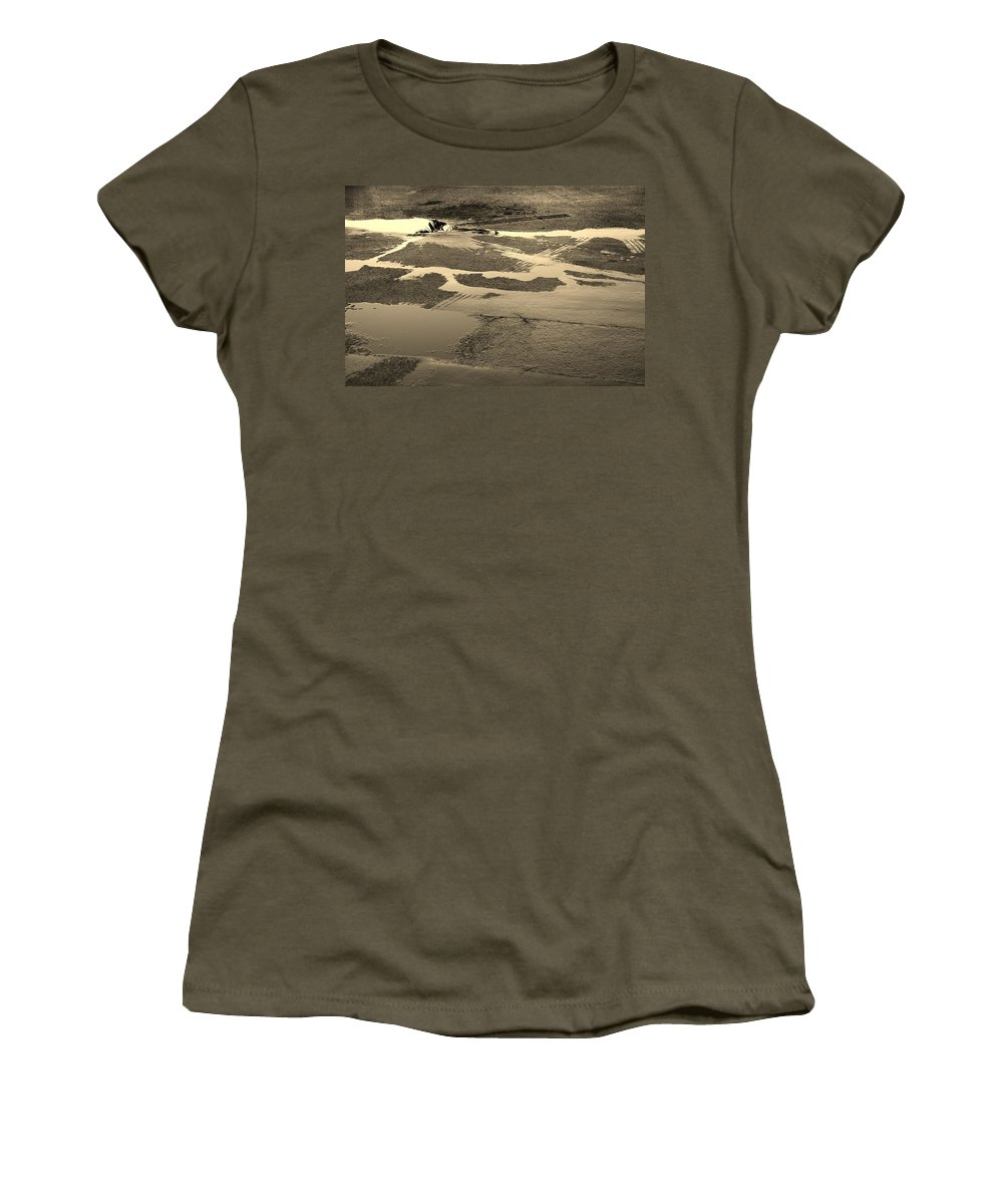Water Women's T-Shirt featuring the photograph Yellow Streams In The Lot by Rob Hans