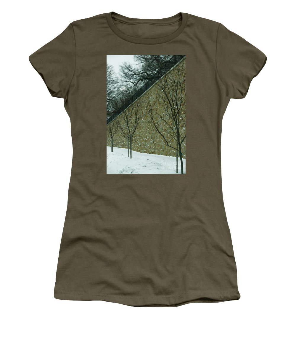 Grand Rapids Women's T-Shirt featuring the photograph Your Line Of Direction by Linda Shafer