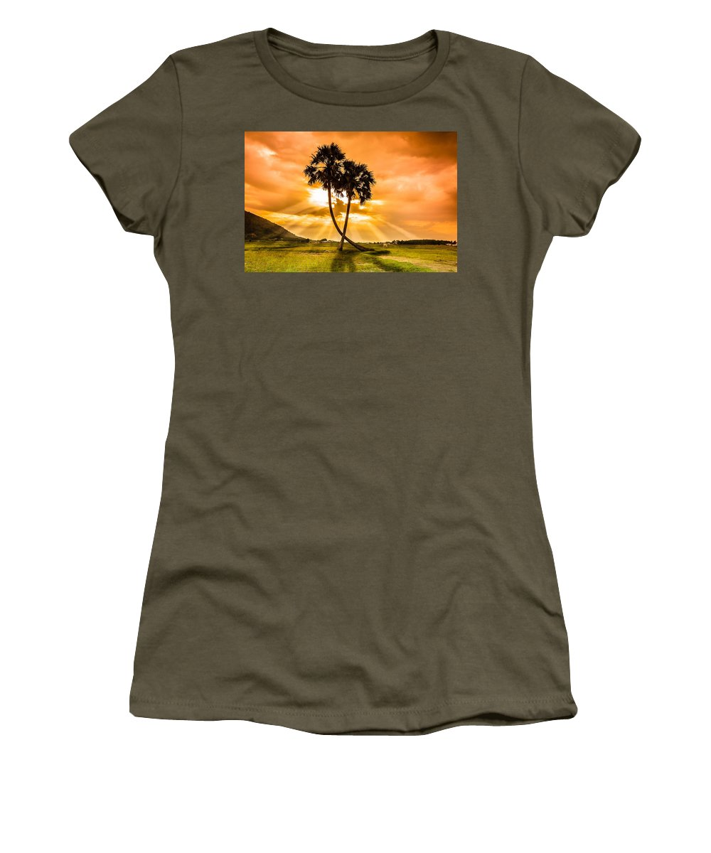 In Love Photographs Women's T-Shirts