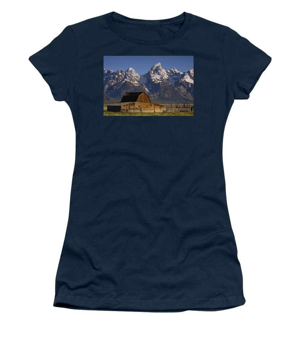 Mp Women's T-Shirt featuring the photograph Cunningham Cabin In Front Of Grand by Pete Oxford