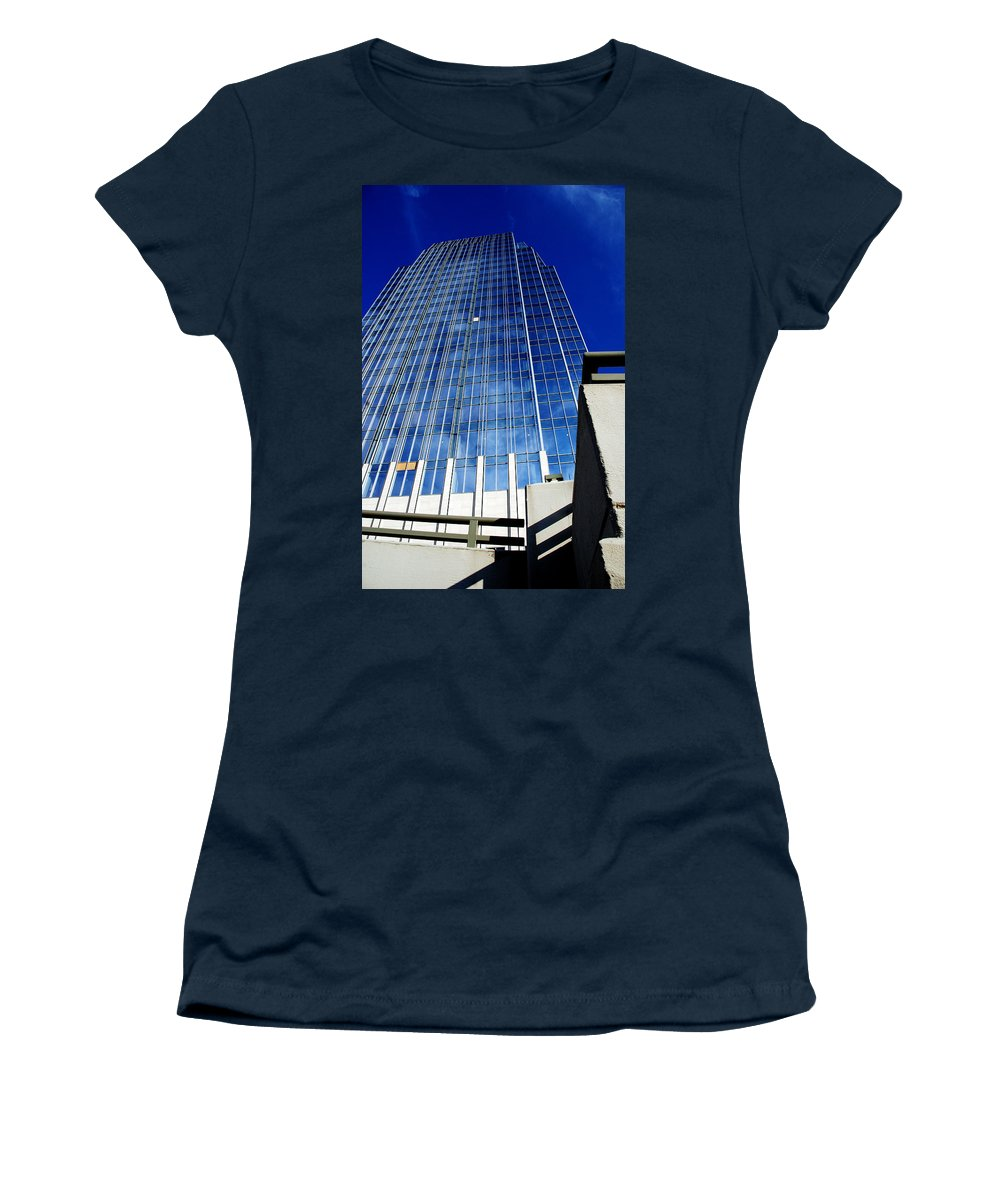 Nashville Women's T-Shirt featuring the photograph High Up To The Sky by Susanne Van Hulst