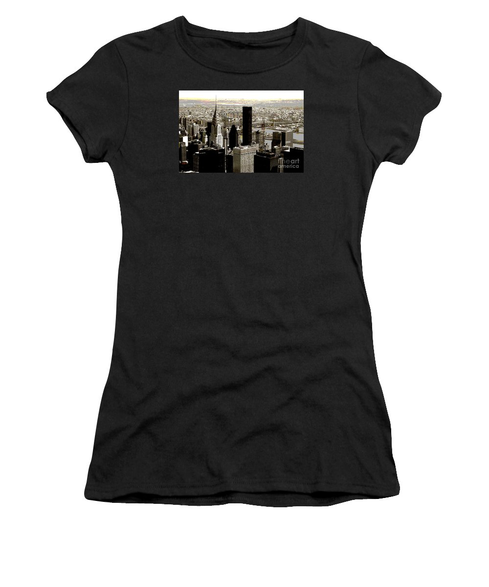 Bw Women's T-Shirt (Athletic Fit) featuring the photograph Manhattan by RicardMN Photography
