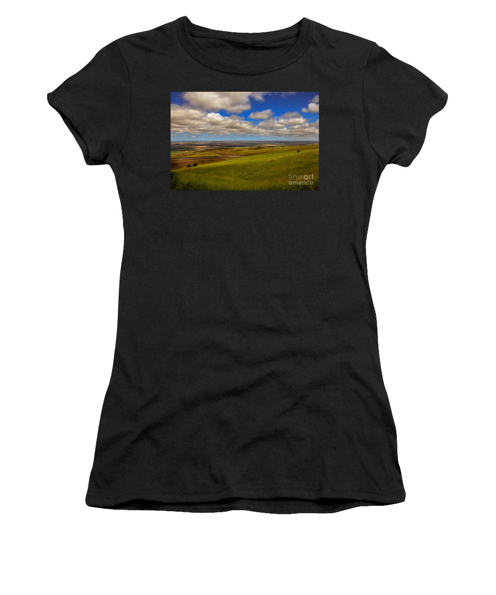 Pendleton Women's T-Shirt featuring the photograph Pendleton Valley by Robert Bales