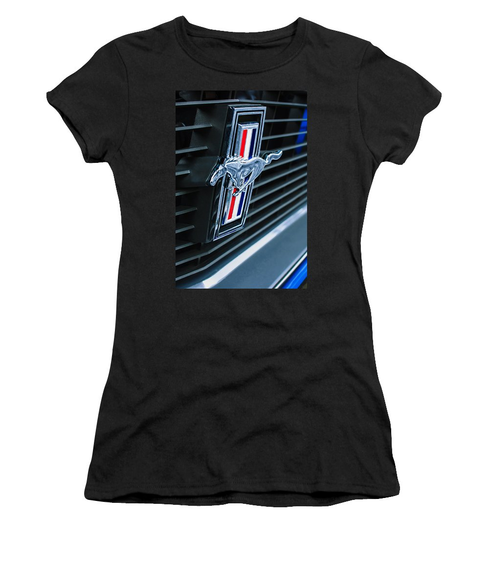 1970 Ford Mustang Boss 302 Fastback Grille Emblem Women's T-Shirt featuring the photograph 1970 Ford Mustang Boss 302 Fastback Grille Emblem by Jill Reger