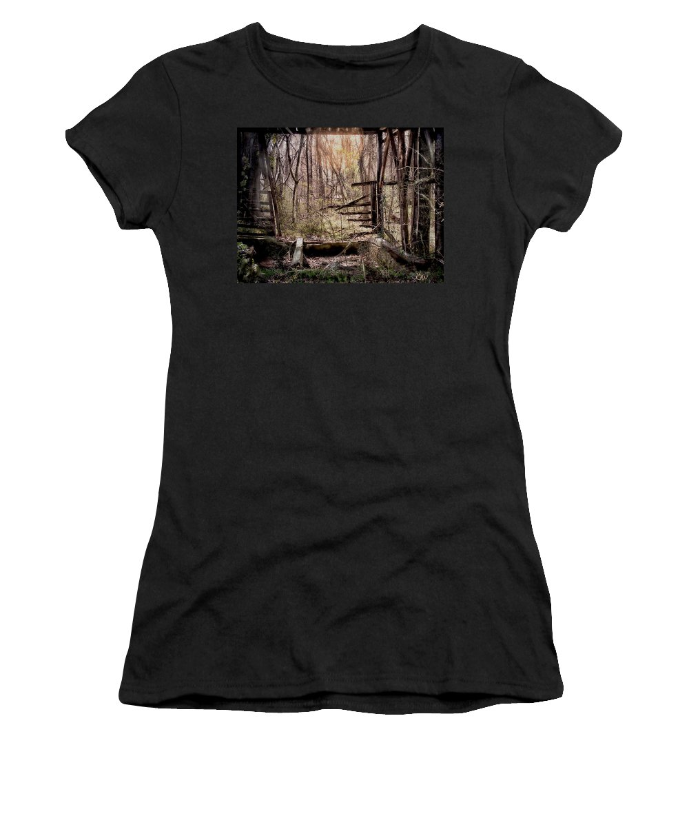 Building Women's T-Shirt (Athletic Fit) featuring the photograph Been There by Bonnie Willis