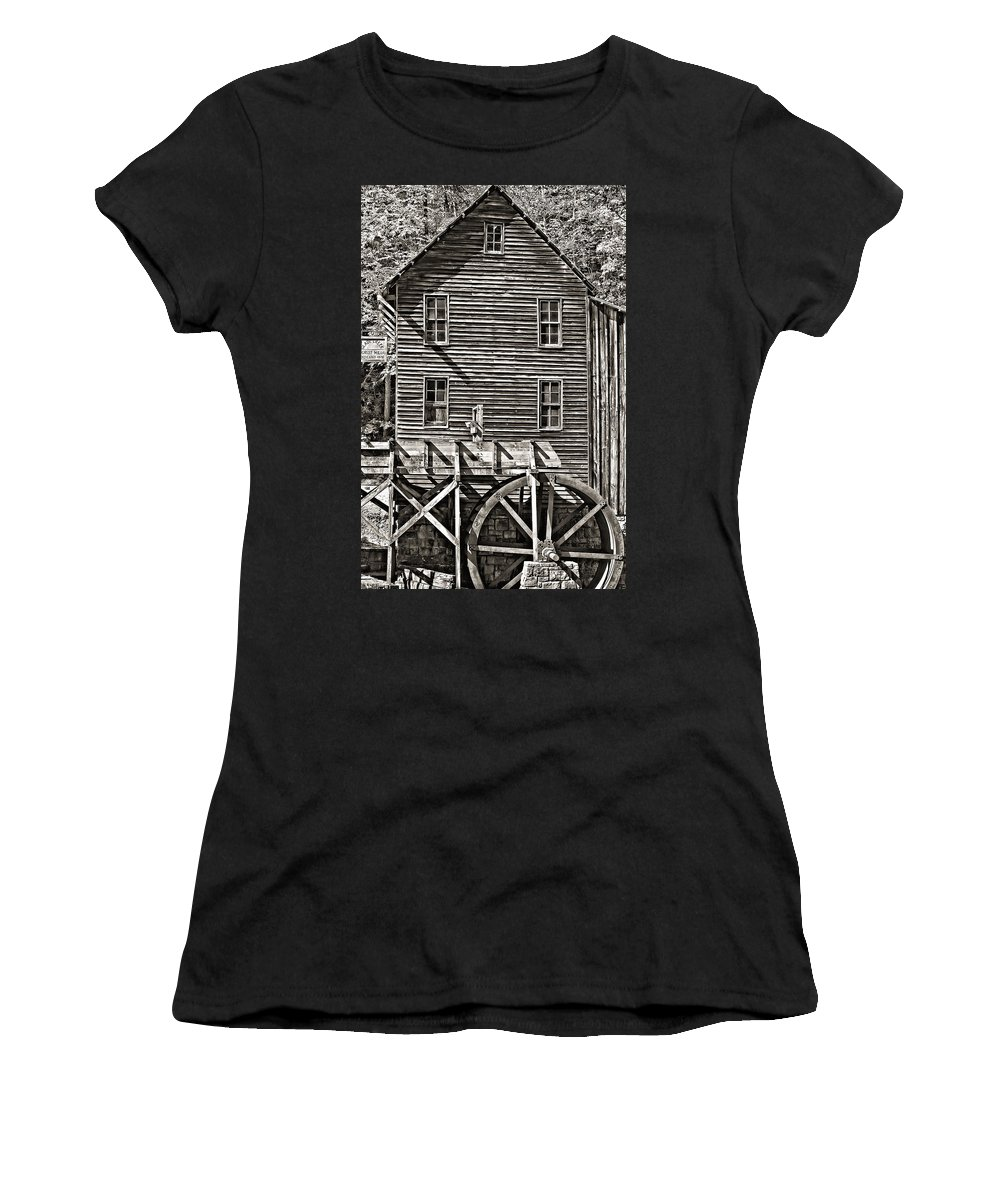 Shape Women's T-Shirt (Athletic Fit) featuring the photograph A Study Of Line And Form 2 by Steve Harrington