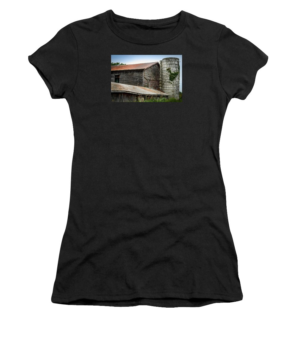 Shenandoah Valley Women's T-Shirt featuring the photograph Abandoned Barn by Pat Scanlon