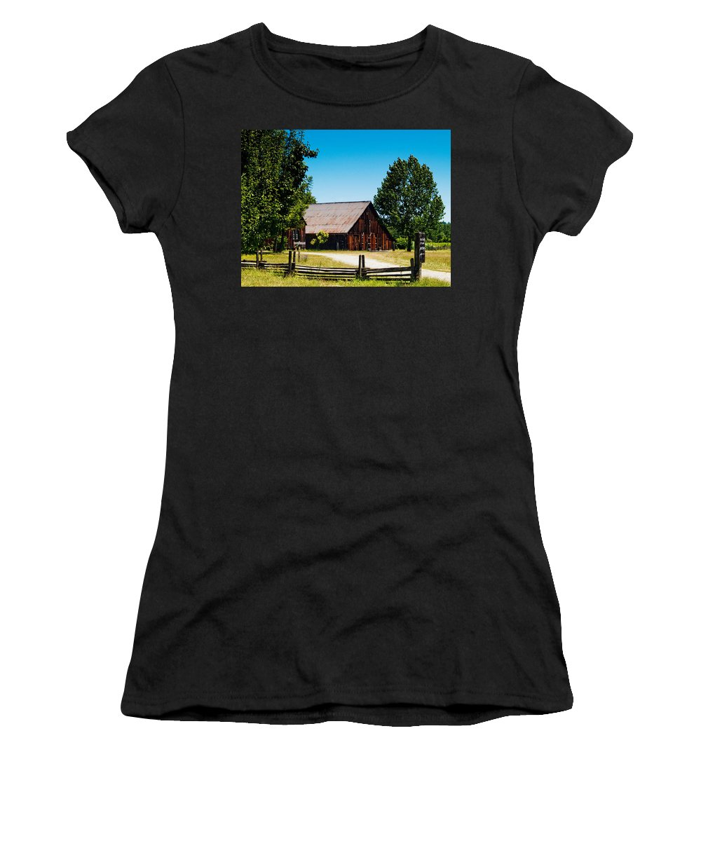 Anderson Valley Women's T-Shirt (Athletic Fit) featuring the photograph Anderson Valley Barn by Bill Gallagher