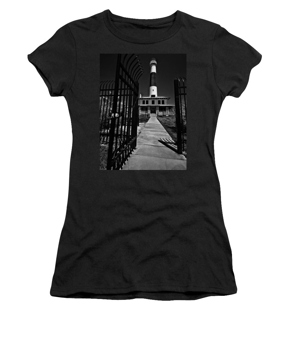 Black And White Women's T-Shirt (Athletic Fit) featuring the photograph Big Dude by Robert McCubbin