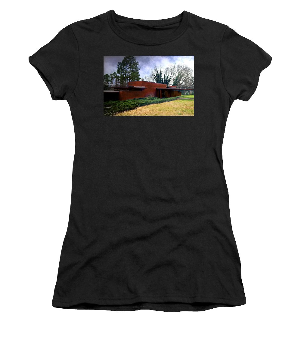 Featured Women's T-Shirt featuring the photograph Fllw Rosenbaum Usonian House - 1 by Paulette B Wright