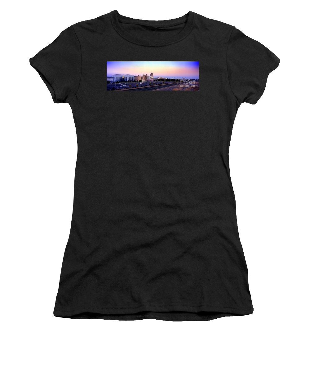 Fresno Skyline Women's T-Shirt featuring the photograph Fresno Skyline Into The Evening by Wernher Krutein