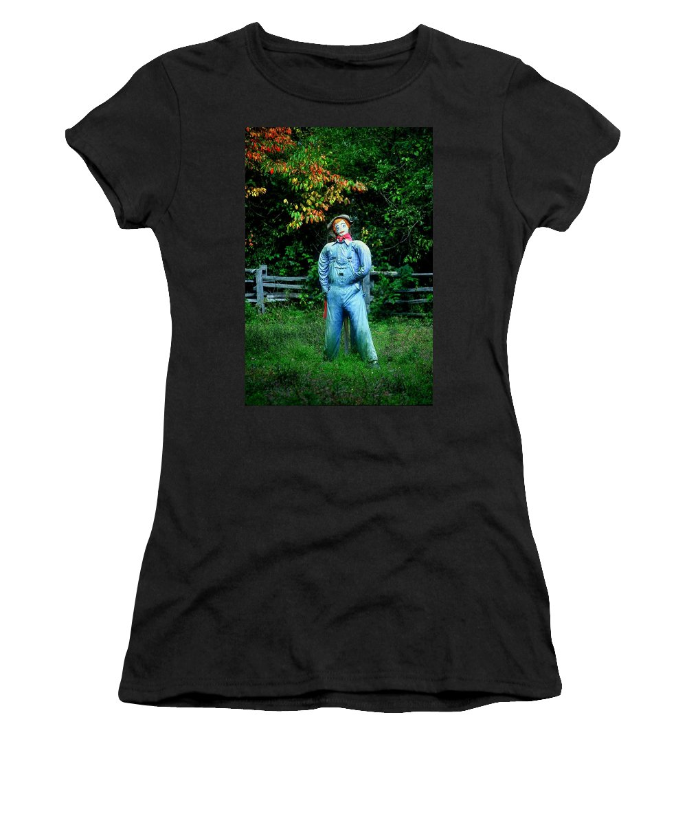 Scarecrow Women's T-Shirt (Athletic Fit) featuring the photograph Hello Dorothy by Rodney Lee Williams