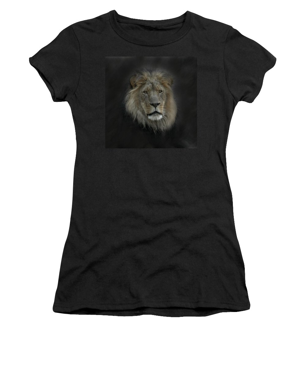 Lion Women's T-Shirt (Athletic Fit) featuring the photograph King Of Beasts Portrait by Ernie Echols