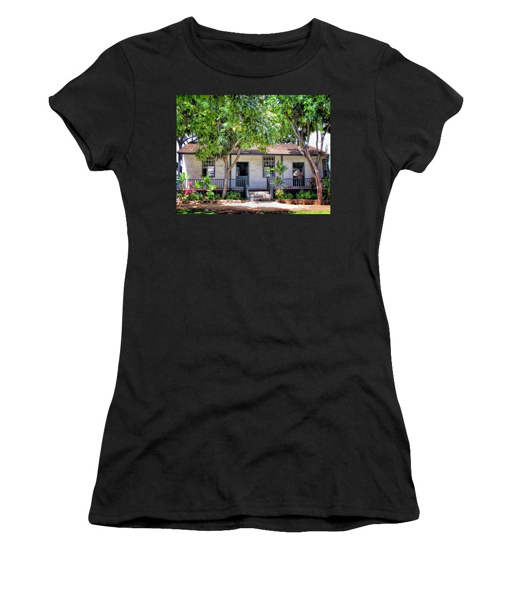 Hawaii Women's T-Shirt featuring the photograph Lahaina Building 2 by Dawn Eshelman