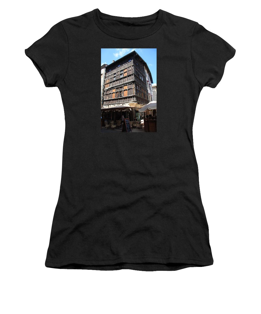 House Women's T-Shirt (Athletic Fit) featuring the photograph Mason Du Bois Macon by Christiane Schulze Art And Photography