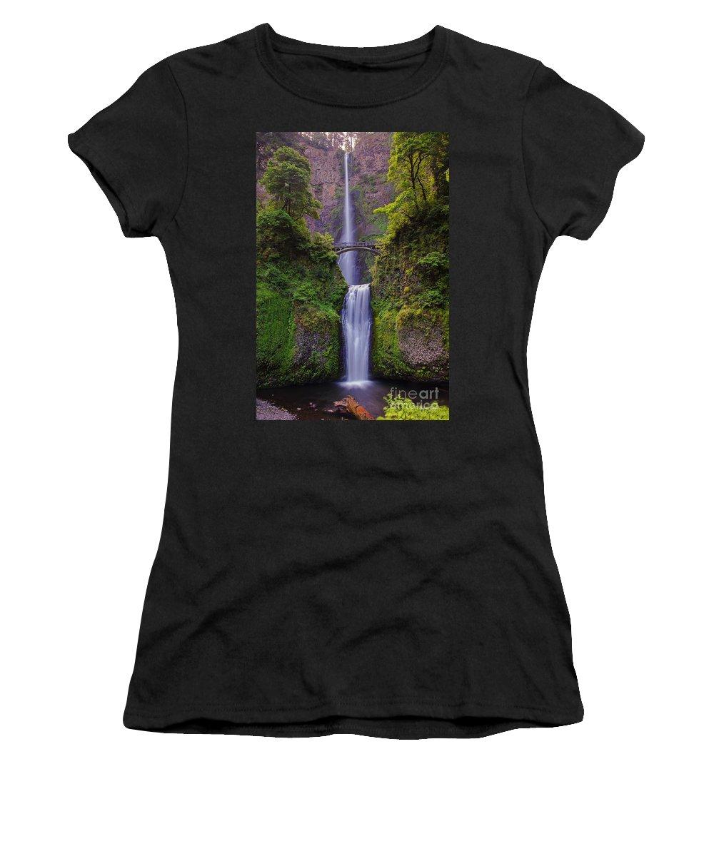 Multnomah Falls Women's T-Shirt featuring the photograph Multnomah Falls - Columbia River Gorge - Oregon by Yefim Bam