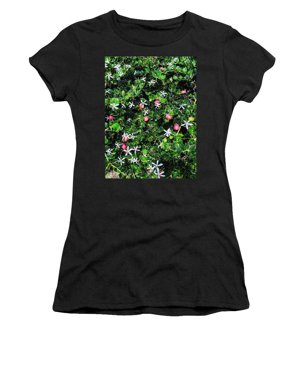 Hawaii Women's T-Shirt featuring the photograph Napili 5 by Dawn Eshelman