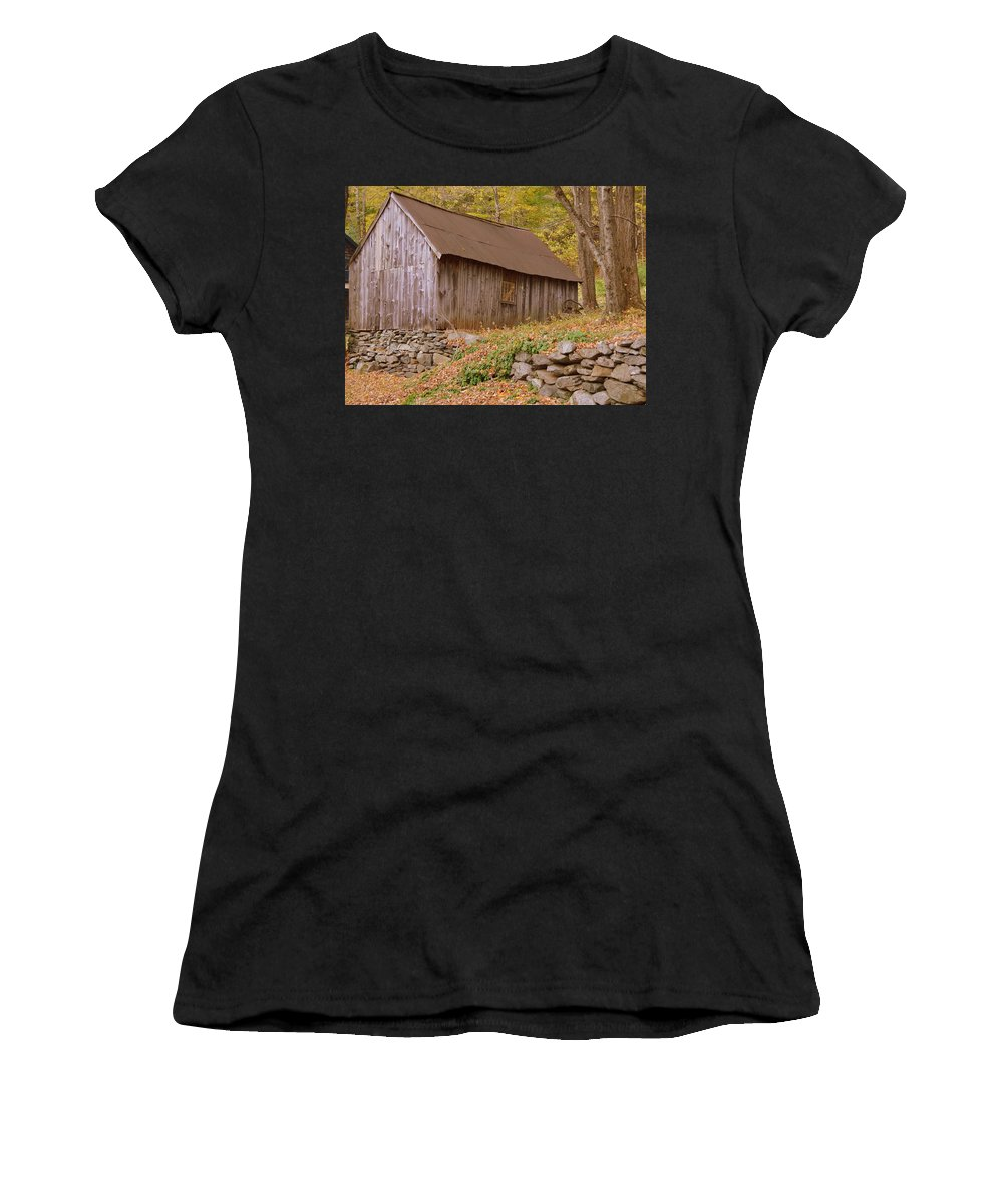 New England Barn Women's T-Shirt featuring the photograph New England Barn by Linda Covino