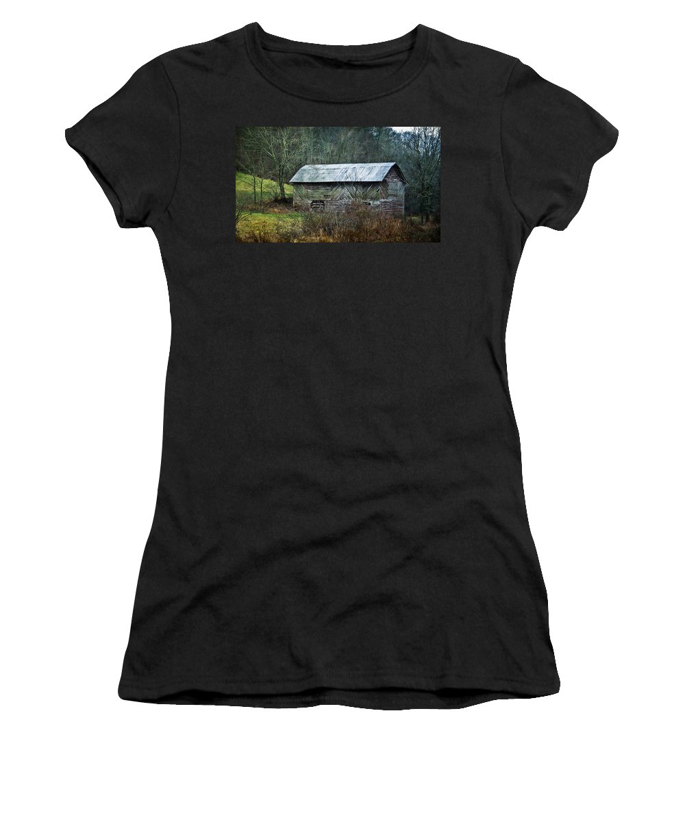 Barn Women's T-Shirt featuring the photograph North Carolina Country Barn by Cindy Archbell