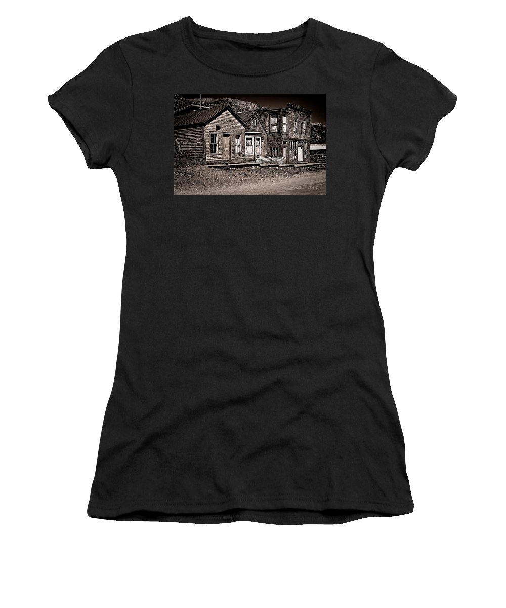 St Women's T-Shirt featuring the mixed media Post At Ten Thousand Feet by Charles Muhle