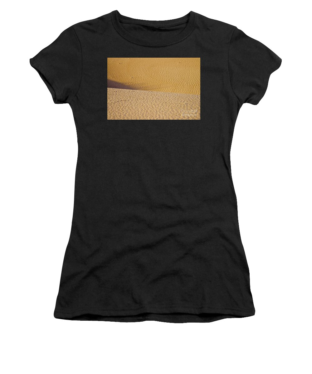 Monahans Sand Dunes State Park Texas Parks Desert Deserts Color Dune Desertscape Desertscapes Landscape Landscapes Nature Texture Textures Women's T-Shirt featuring the photograph Sand Layers by Bob Phillips