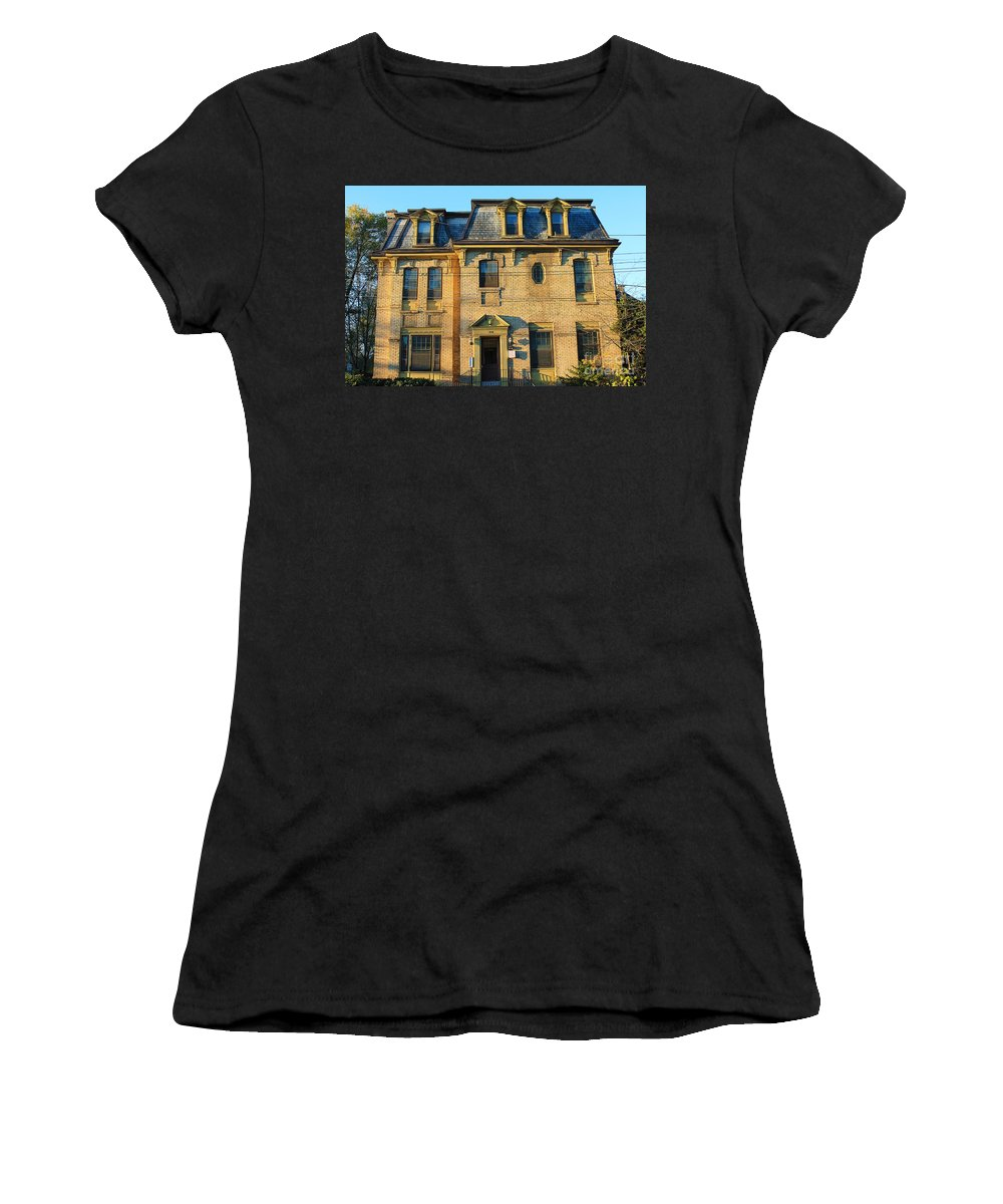 Home Women's T-Shirt featuring the photograph Sunset On An Old Toronto Home by Nina Silver