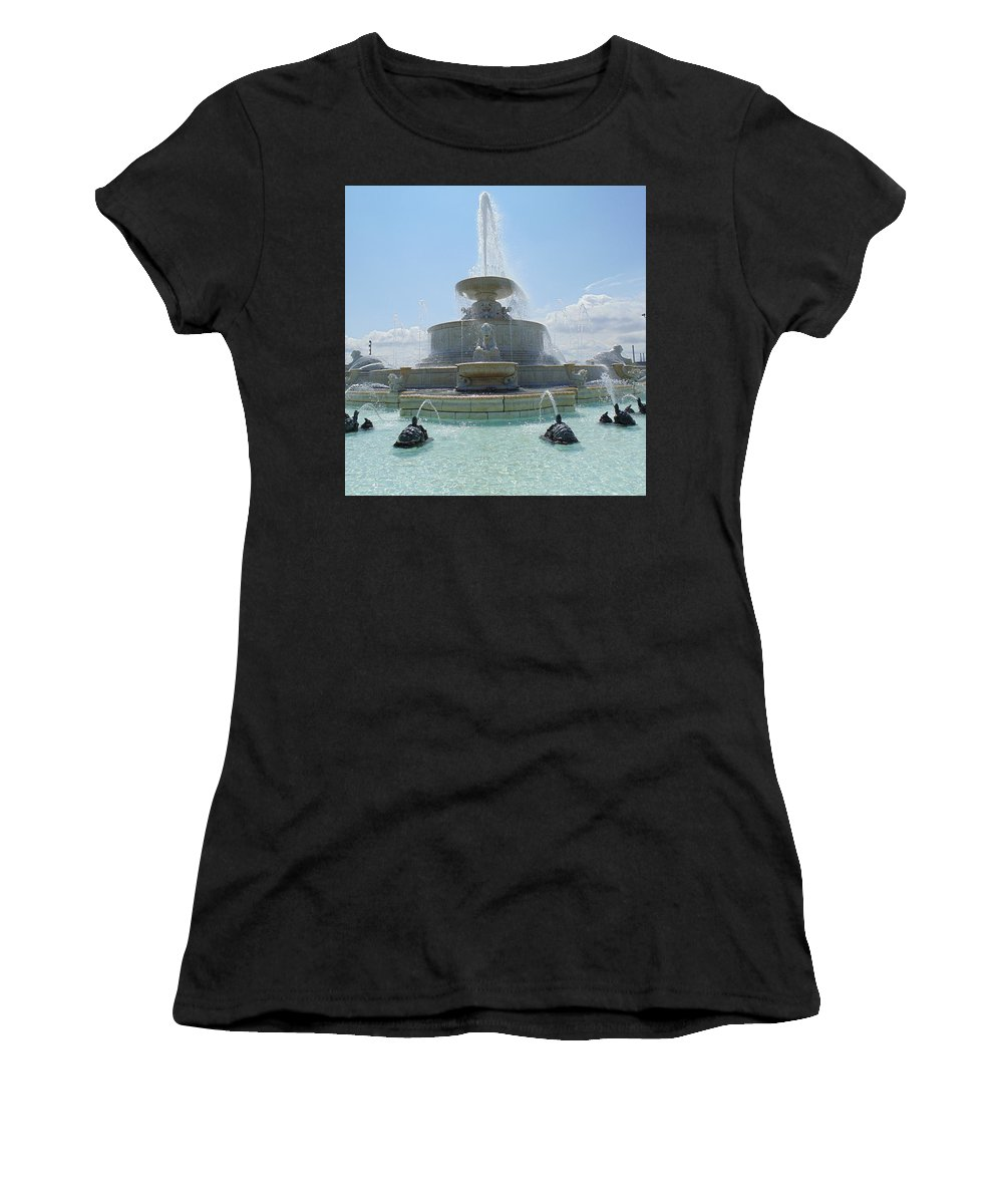 Scott Fountain Women's T-Shirt featuring the photograph The Scott Fountain On Belle Isle by Dotti Hannum