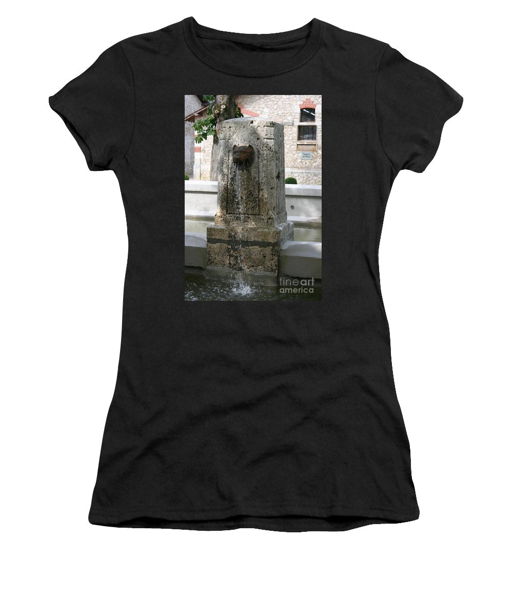 Water Women's T-Shirt featuring the photograph Waterspout Garden Chateau Chaumont by Christiane Schulze Art And Photography