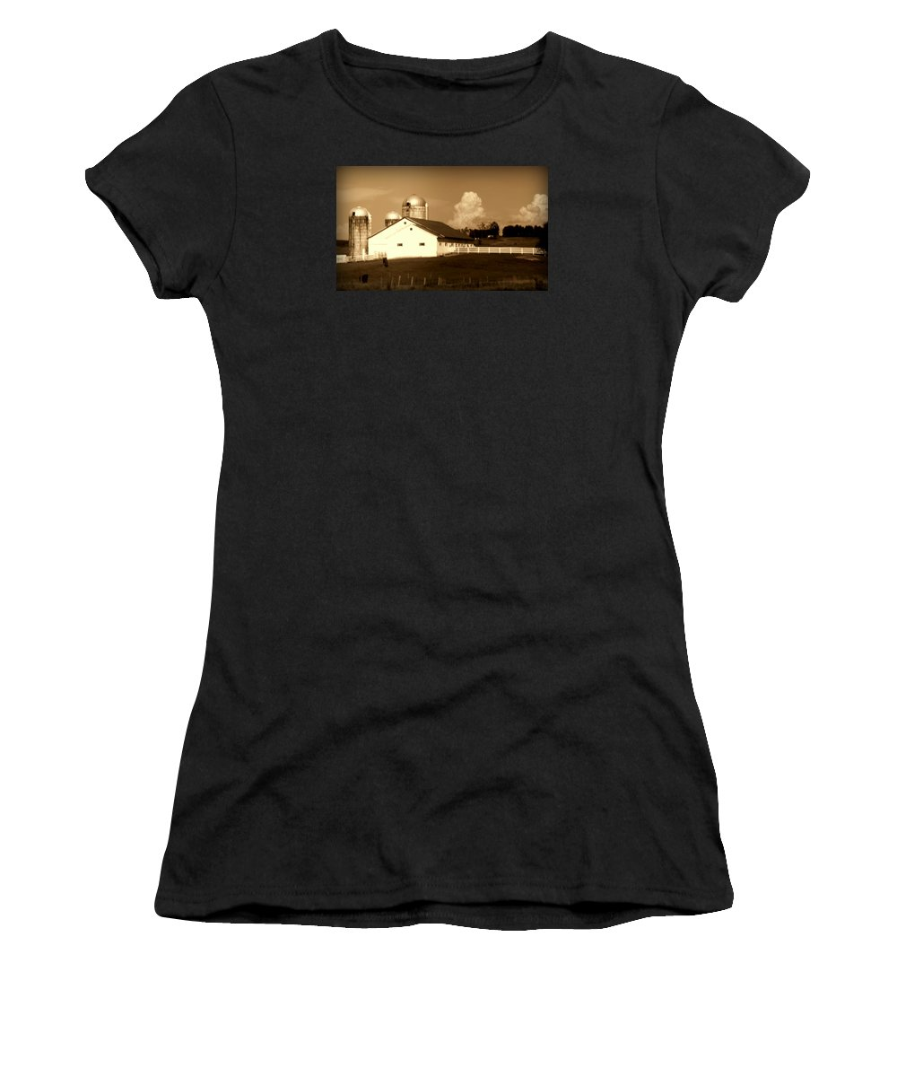 Barns Women's T-Shirt (Athletic Fit) featuring the photograph Cattle Farm Mornings by Karen Wiles