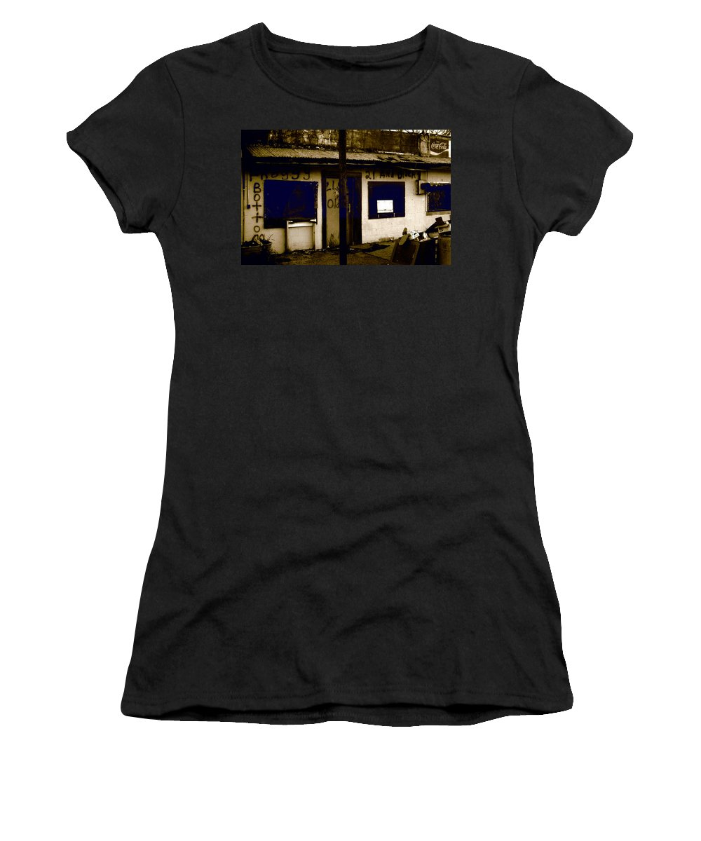 Louisiana Women's T-Shirt (Athletic Fit) featuring the photograph Froggy Bottom 1 by Doug Duffey