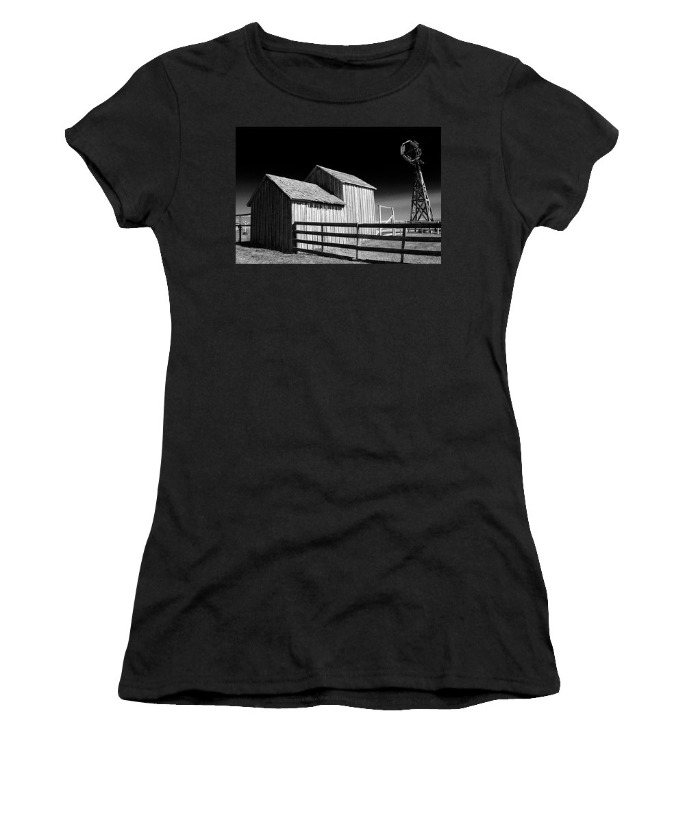 Art Women's T-Shirt featuring the photograph Plains Frontier Farm And Windmill by Randall Nyhof